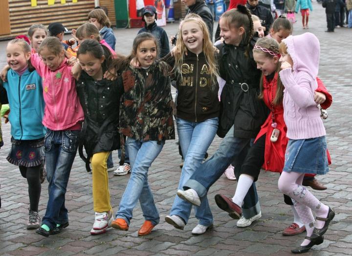 rian_archive_398877_festivities_in_vladivostok_to_celebrate_international_childrens_day